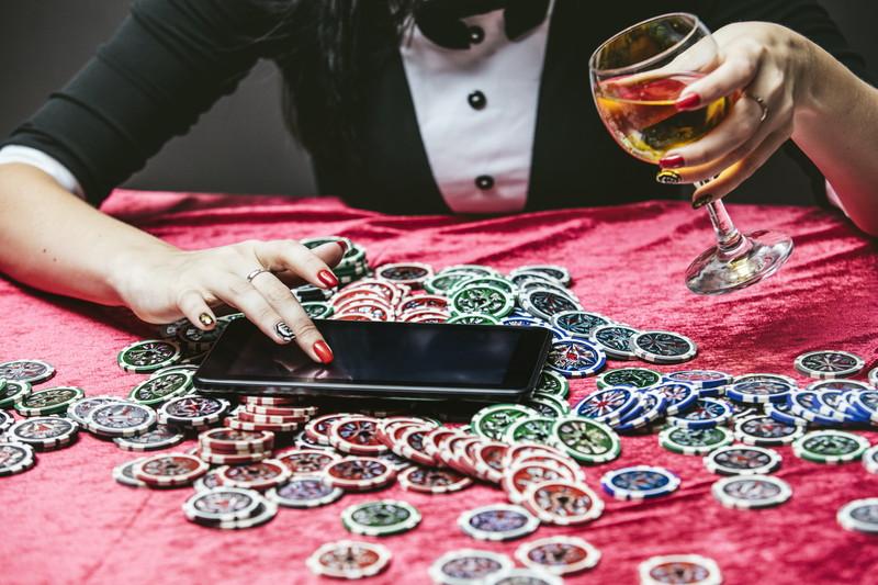 オンラインカジノで稼ぐ